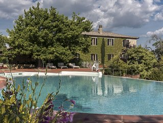 Villa Dipendenza, Historic Holding with  wonderful swimming pool