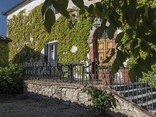 Historic Holding with   wonderful swimming pool near Siena, Tuscany, Italy