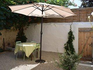 Charmant gîte de village indépendant avec jardin (proche de Pezenas)