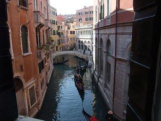 Luminosissimo - 200 metri da Piazza San Marco - splendida vista su canale