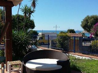 Villa a 50 m dal mare con giardino e vista mare
