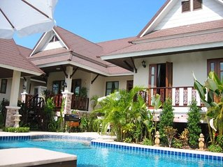 VIlla Sabai, Private Pattaya villa with luxury Pool/Jacuzzi with FREE CAR HIRE.