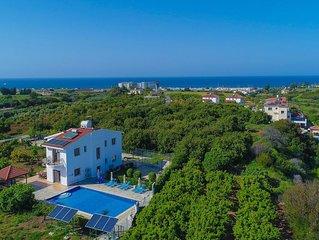 Villa Leda Finiki: Latchi secluded villa, pool, A/C, Wi Fi
