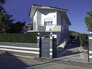 Villa a 500 mt dalla spiaggia di Fontane Bianche - 5 posti letto