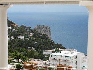 Moderna, confortevole, 3' dal centro di Capri, vista mozzafiato, free wi-fi