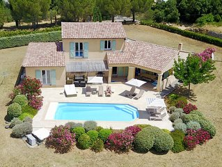 Stunning Provencal Villa, beautifully furnished with heated pool in 1.5 Acres