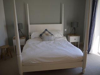 Contemporary self catering holiday cottage in Seaview