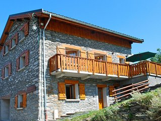 Charming Chalet in Les Menuires near Les 3 Vallees Ski Area