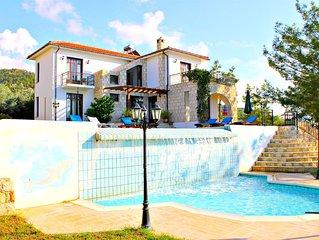 Amazing 4 Bed Villa in Argaka - Stunning Sea Views - Huge Pool + Child's Pool