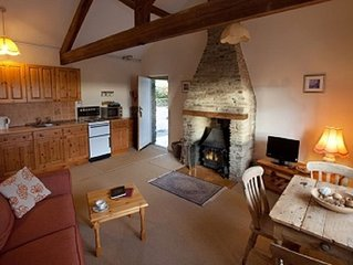 Ivy Cottage, 10 Character Cottages in Rural Setting, Indoor Heated Pool,