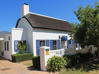 Luxe cottage met rieten dak | 4 personen, 2 slaapkamers | Zwembad | WiFi
