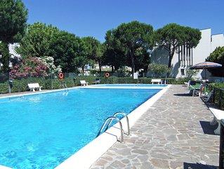 Ampio monolocale con balcone in Residence con piscina a 150 mt. dalla spiaggia