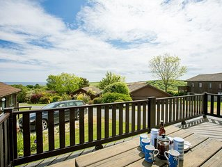 Carrick Lodge -  a lodge that sleeps 6 guests  in 3 bedrooms