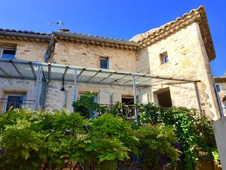 Beautiful house with private heated pool and garden in medieval village