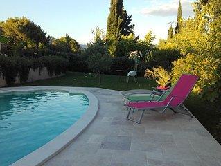 Villa avec piscine et climatisation au coeur du luberon