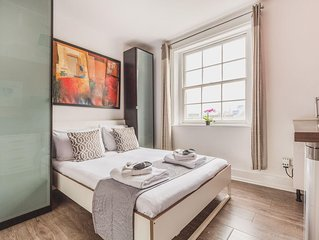 Bethnal Studio 15 apartment in Shoreditch with WiFi & shared terrace.