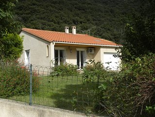 Detached 2 Bed Villa With Amazing Panoramic Views Of The Pyrenees.