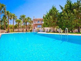 Luxury Villa Kissos with private swimming pool