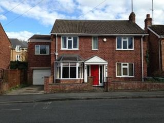 6 Bedroomed City Detached House (with Parking & Garden)