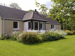 Cottage With Mountain Views Situated In A 3 Acre Woodland Garden