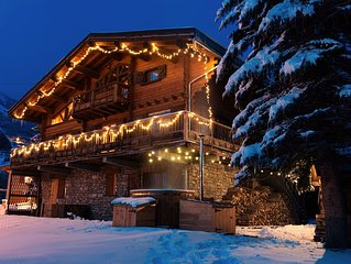 Four star luxury traditional 5 bedroom chalet with sauna & hot tub sleeps 10