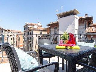 Splendida terrazza sui tetti, 2 camere, 4 posti, WIFI, A/C
