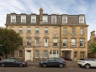 4 Southgait Hall, St Andrews - Fabulous town centre apartment