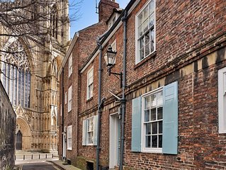 Outstanding historic townhouse in city centre next to York Minster (sleeps 2-8)