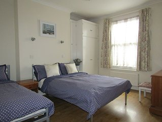 Quiet central Richmond location close-by station - LARKFIELD APARTMENTS