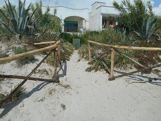 Direttamente sulla spiaggia. 6 posti letto  in villa con accesso privato al mare