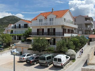 Three bedroom apartment with balcony and sea view Hvar (A-8794-a)