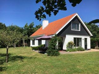 Gezellig en ruim vakantiehuis in Haamstede, bij het strand, ideaal voor families