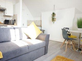 Stylish Loft Apartment in Moseley - Sleeps 4