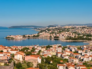 New! Luxury house,close to the  Split. 50 meters from the sea, near Split