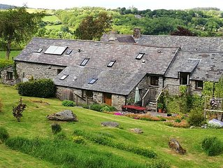 The Old Barn. 25mns drive to Snowdonia National Park. 18thC original features