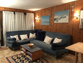 Ski Apartment With Mountain Views,Great Location Walking Distance From Ski Lift