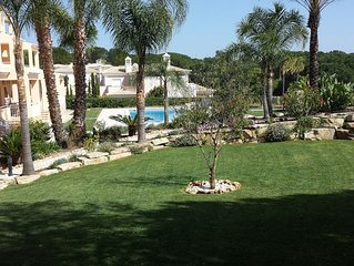 Luxury Raised Ground Flr.Apartment,1km to Stunning Beaches of Vale do Lobo Wi-Fi