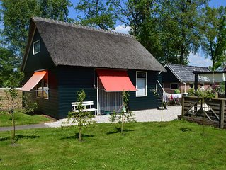 A cosy house close to Giethoorn and the Weerribben-Wieden National Park, with a