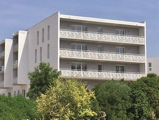 Modern apartment with a balcony located 500m from a spa town