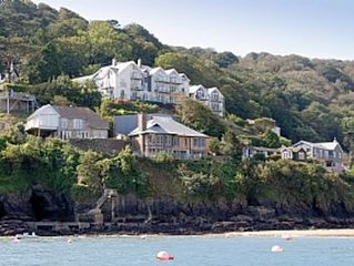 Apartment With Sea Views Of South Sands Beach, Salcombe With Parking for 2 cars.