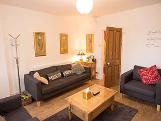 Arden Holiday Lettings Stratford Upon avon with parking sleeps 4/5
