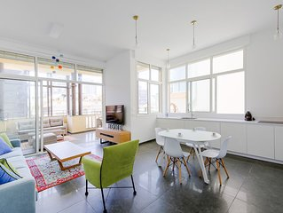 2 Bedrooms (Amazing) Apartment - 9 Allenby Street.