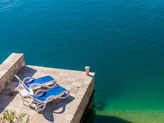 Villa Regina Maris A1 su due piani a 10 metri da spiaggia privata con lettini