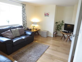Oxford Apartments 2 - Modern, beautiful Apartment fully furnished with parking