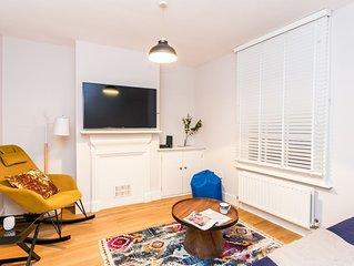 The Modern Classic - Contemporary & Elegant 3BDR Home