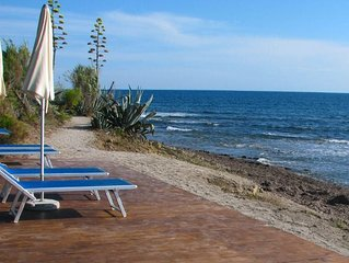 7 bedroom Villa, sleeps 14 with Air Con, FREE WiFi and Walk to Beach & Shops