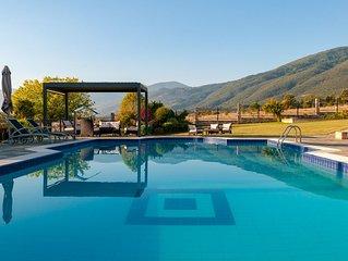 Villa Dafne-Sea and Mountain View
