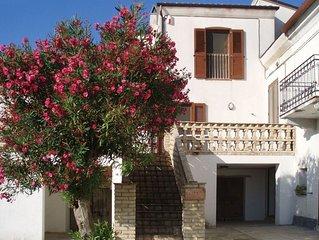 Farmhouse apartment in Contrada Lazzaretto, Ortona, Abruzzo, Italy
