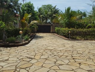 Kenda villa is a holiday home located in diani beasch 2.3 km from