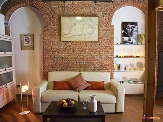 Bohemien District apartment in Porta Garibaldi with WiFi.